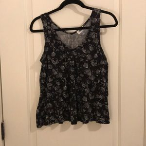 Old Navy Tops - Flowy Floral Old Navy Tank